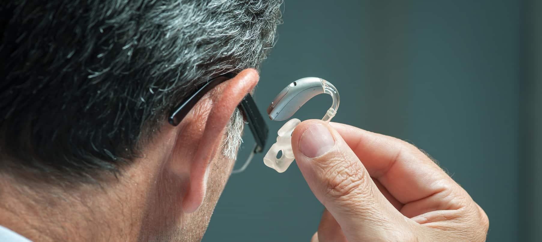 Observation d'un embout d'oreille