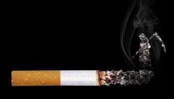 Faire sa propre cigarette avec une tubeuse électrique